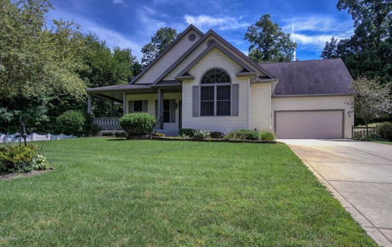 71019 Northwood Drive, Edwardsburg, MI 49112