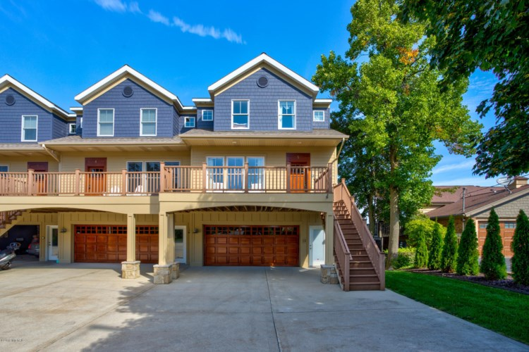 1647-5 South Shore Drive, Holland, MI 49423