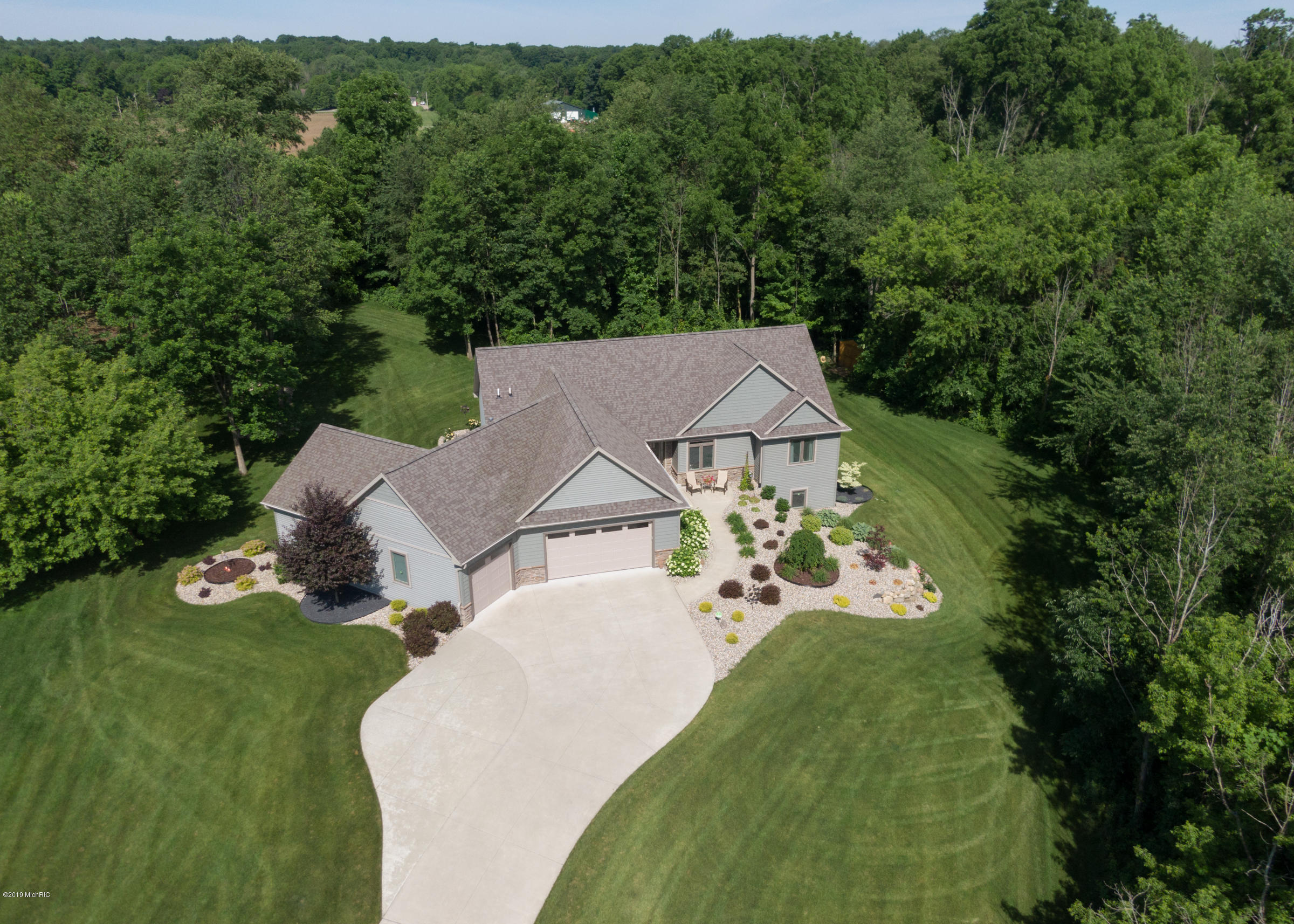 70238 Fox Creek Boulevard, Lawton, MI 49065
