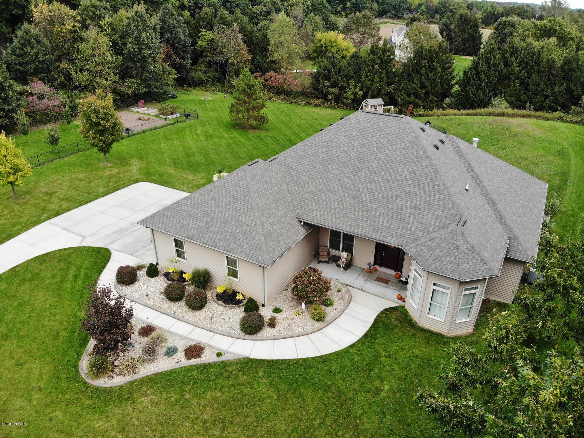 74833 Vineyard Way, Lawton, MI 49065