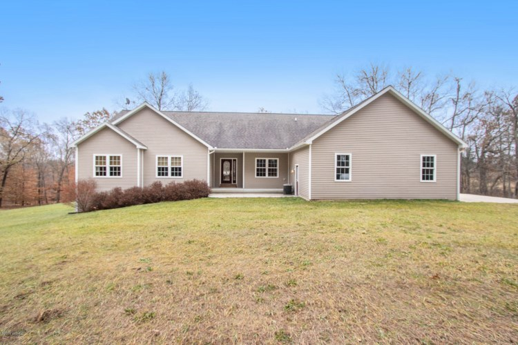 11447 S. West County Line Road, Greenville, MI 48838