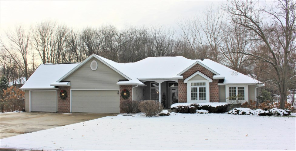1595 Breezy Point Lane, Kalamazoo, MI 49009