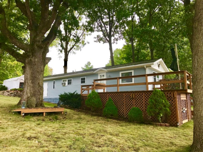 59152 Lakeshore Drive, Colon, MI 49040