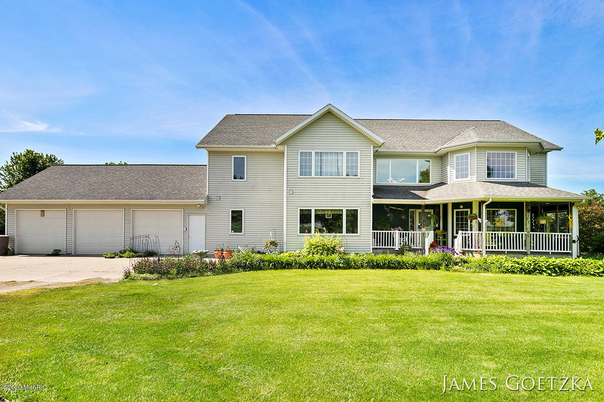 8787 Peach Ridge Avenue NW, Sparta, MI 49345