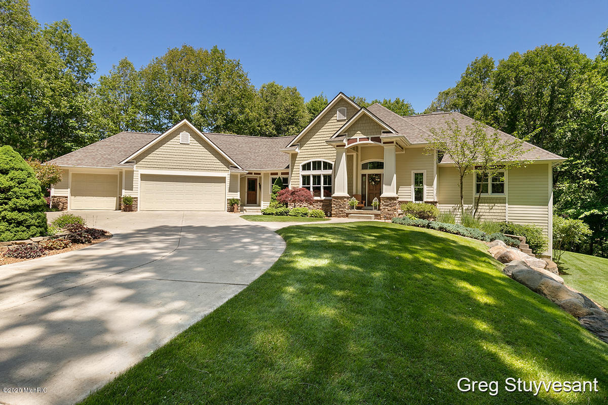 3899 Canyon Creek Drive SW, Walker, MI 49534