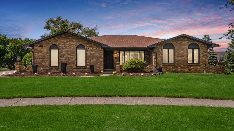 43651 Sunnypoint Drive, Sterling Heights, MI 48313
