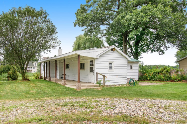 31908 Decker Road, Colon, MI 49040