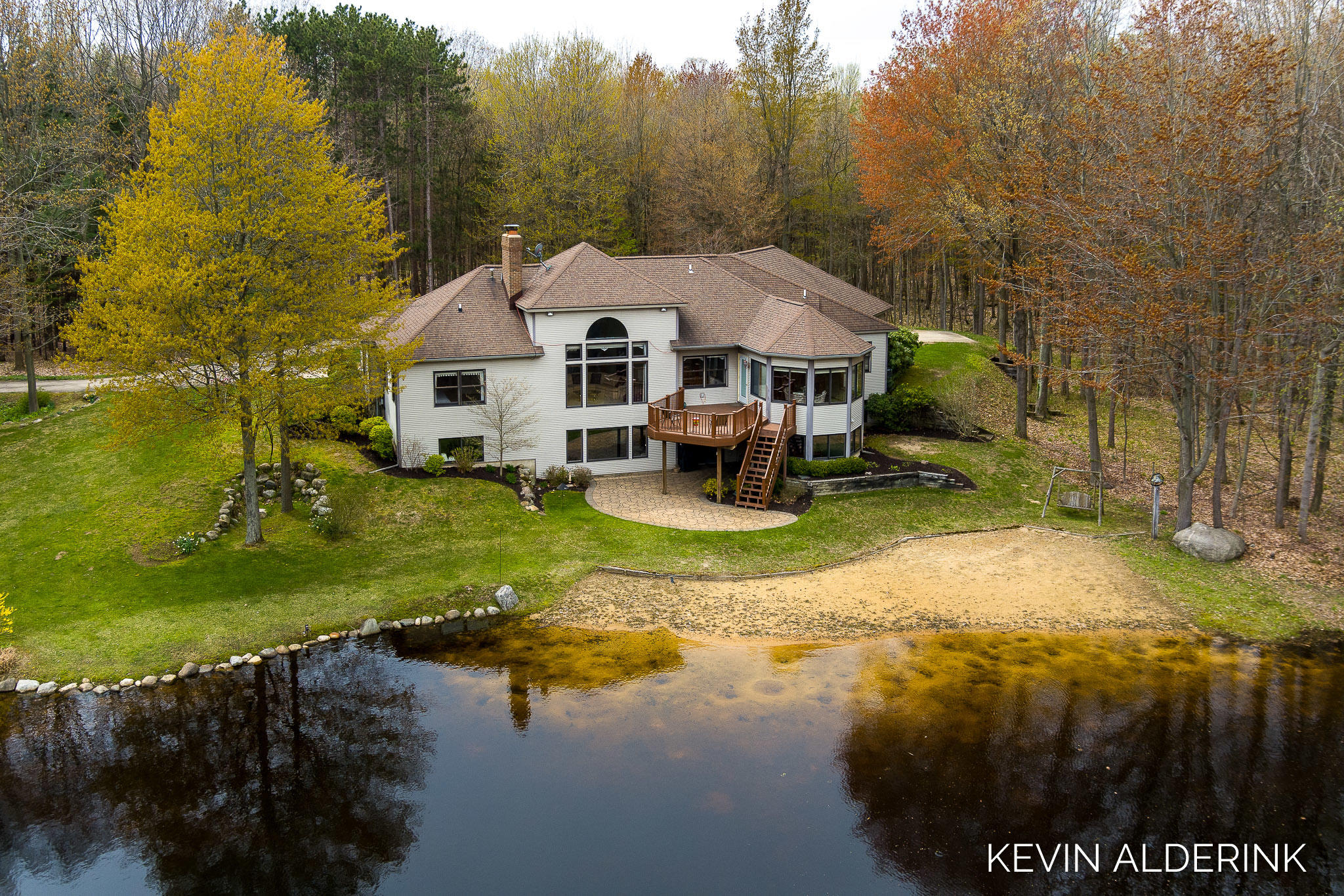 6121 136th Avenue, Saugatuck, MI 49453