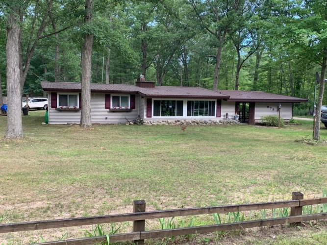 978 S Ransom Road, White Cloud, MI 49349