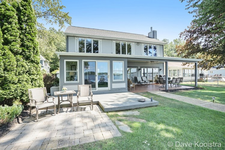 2324 Vista Point Drive, Wayland, MI 49348