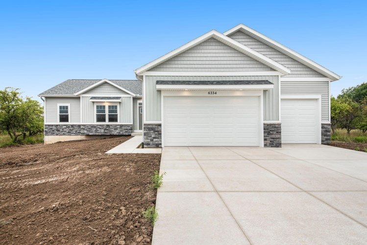 6334 Applewood Acres Drive NE, Comstock Park, MI 49321