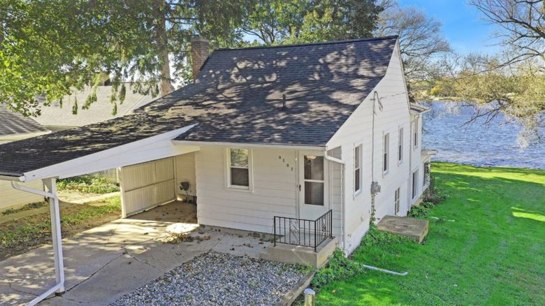 5202  Happy Hollow Drive, Manchester, MI 48158