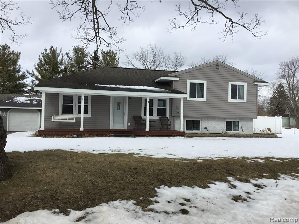 1492 WINDSOR BEACH Drive, Fenton, MI 48430