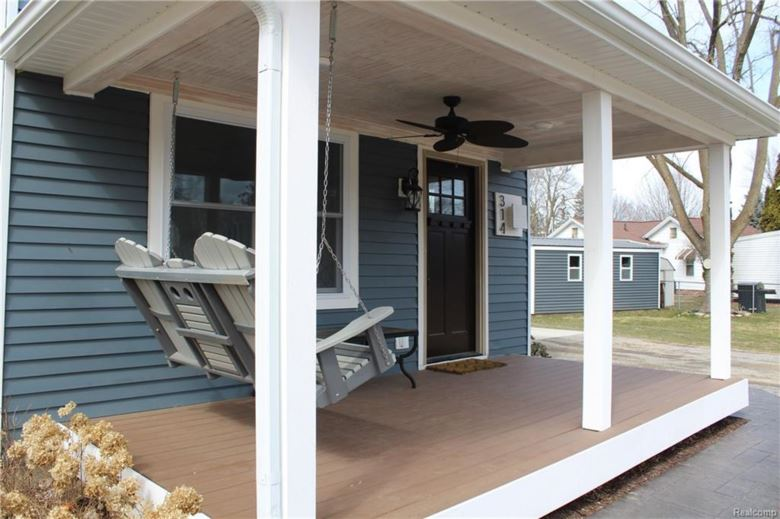 314 S CEDAR Street, Williamston, MI 48895