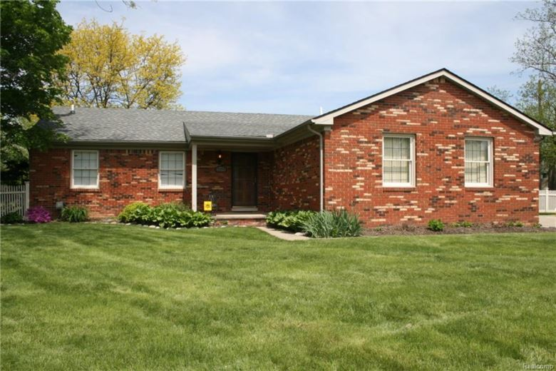 23975 CORA Avenue, Farmington Hills, MI 48336