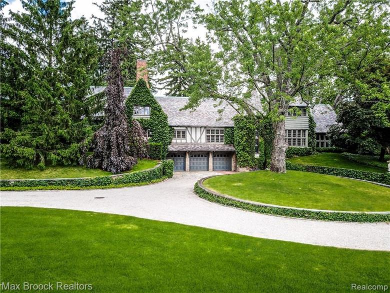 1820 RATHMOR Road, Bloomfield Hills, MI 48304