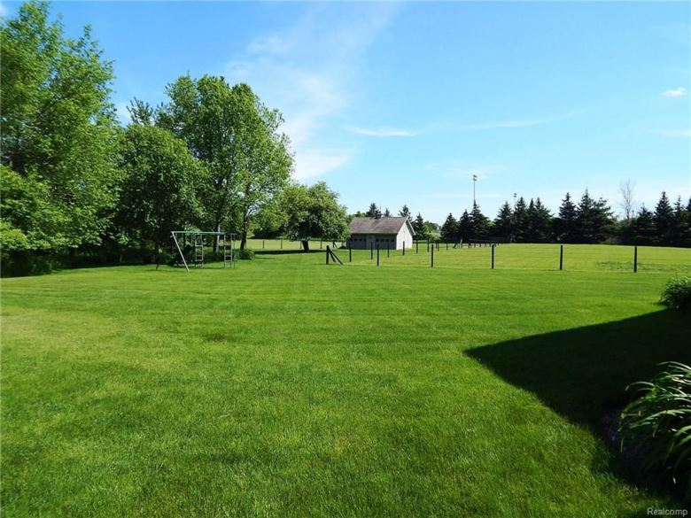 3234 N SEYMOUR Road, Flushing, MI 48433