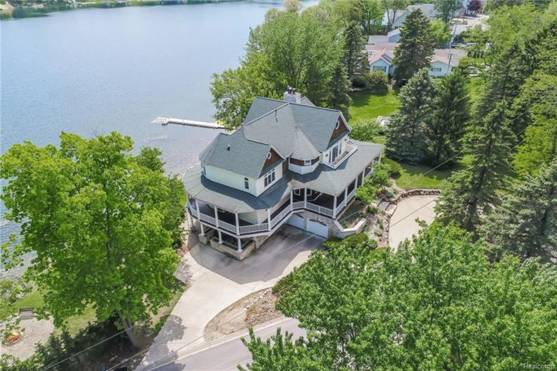 4150 CLIFFORD Road, Brighton, MI 48116