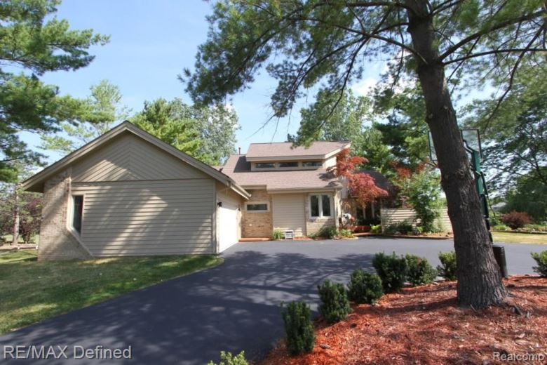 2332 ULSTER Road, Rochester Hills, MI 48309