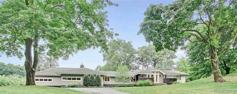 1011 TROWBRIDGE Road, Bloomfield Hills, MI 48304