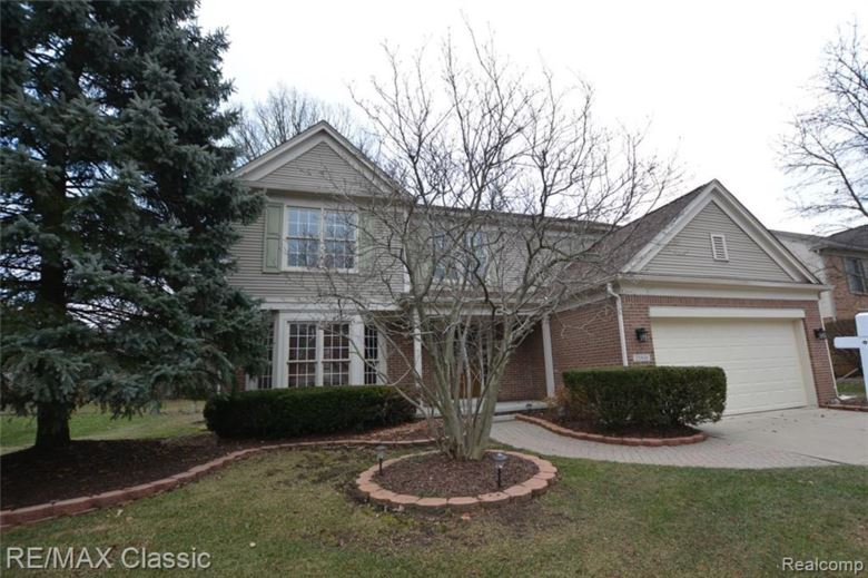 25816 LOCHMOOR Lane, Novi, MI 48374