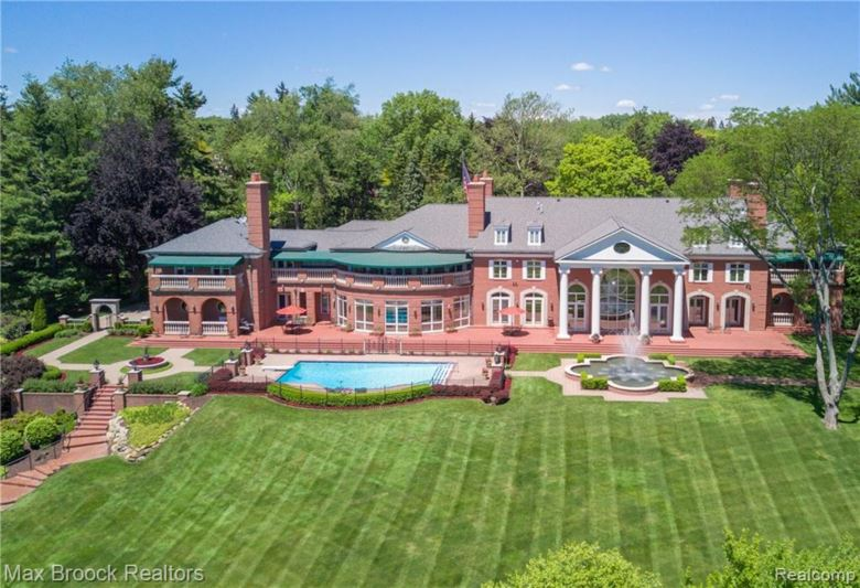 1855 RATHMOR Road, Bloomfield Hills, MI 48304