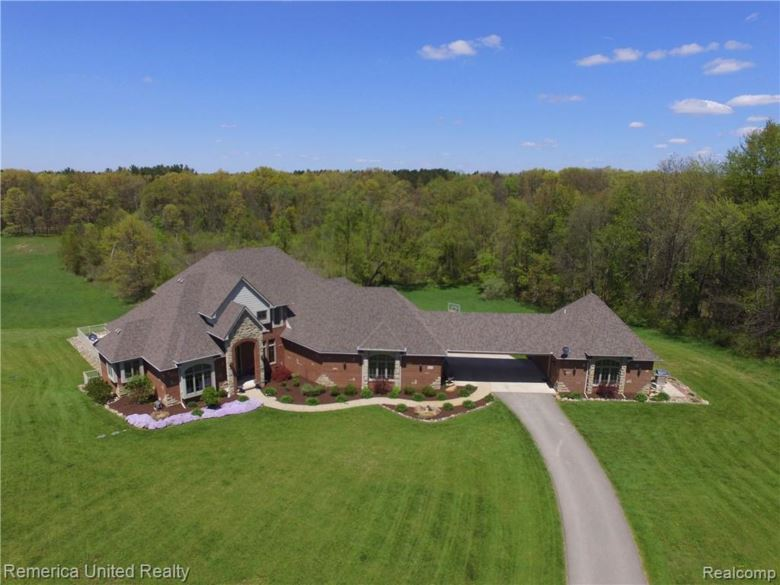 2473 E JONES Road, Howell, MI 48855