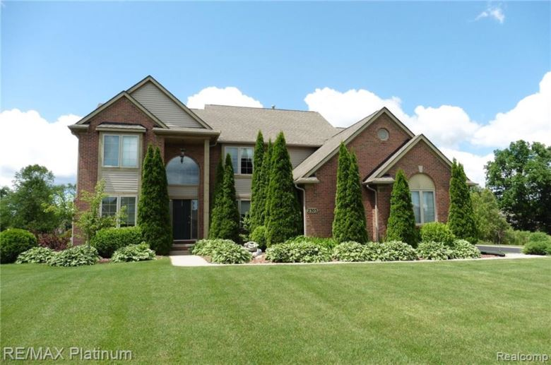 2303 ARCIERO Court, Howell, MI 48855