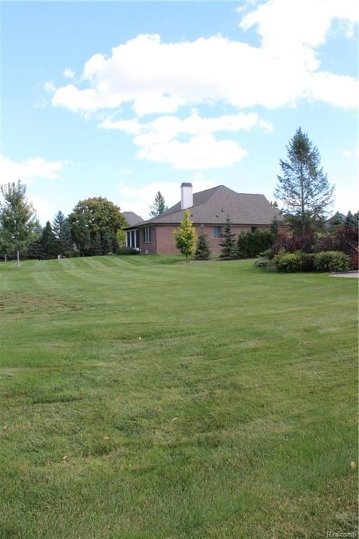2952 LONG WINTER Lane, Oakland Twp, MI 48363