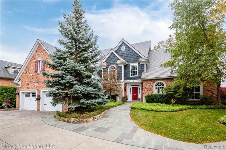 2 SYCAMORE Lane, Grosse Pointe, MI 48230