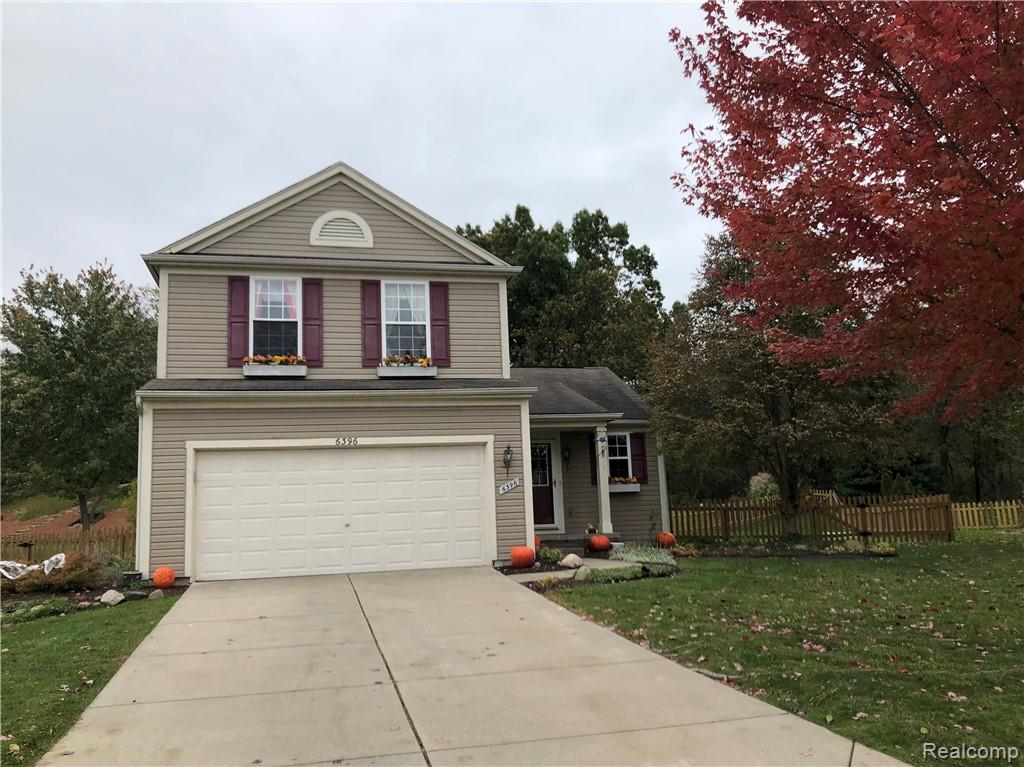 6396 WEATHERFORD Court, Holly, MI 48442