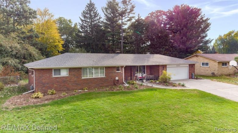 53300 SUZANNE Avenue, Shelby Twp, MI 48316