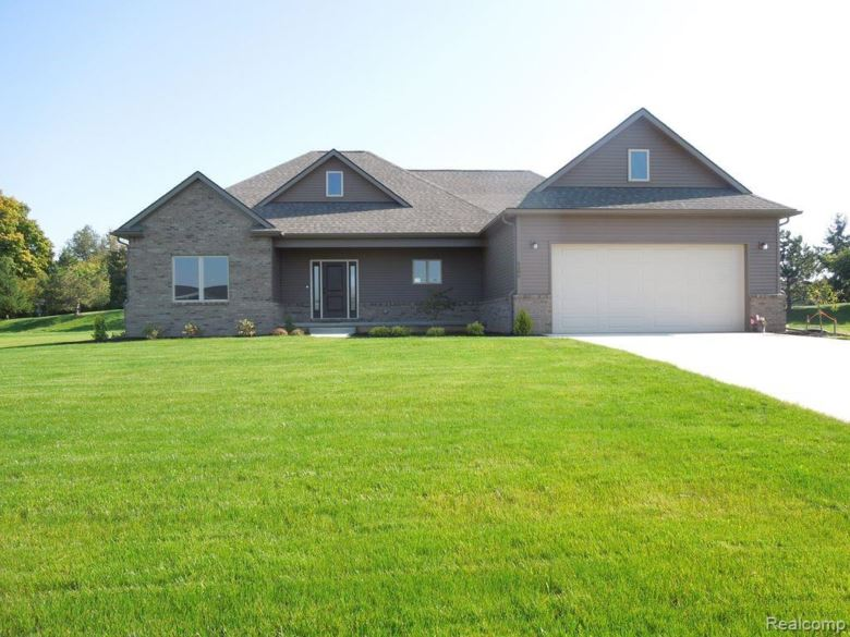 4586 Emerald Valley Loop, Fowlerville, MI 48836