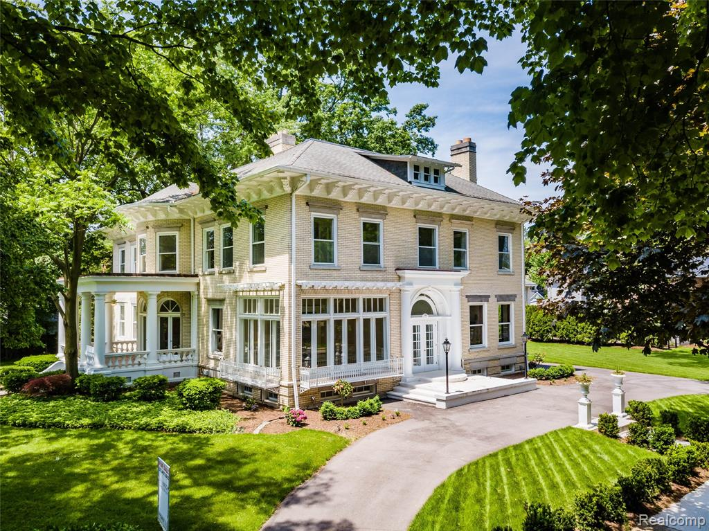 285 WASHINGTON Road, Grosse Pointe, MI 48230