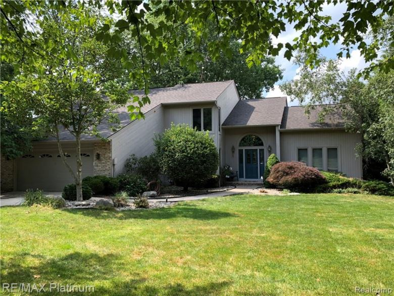 2698 Canfield Trail, Howell, MI 48843