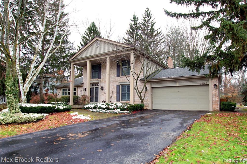 35145 OLD TIMBER Road, Farmington Hills, MI 48331