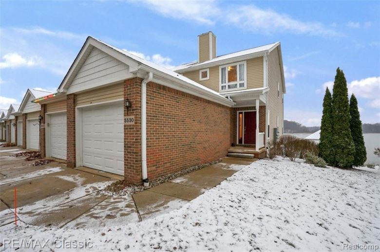 5530 WOODRUFF SHORE Drive, Brighton, MI 48116