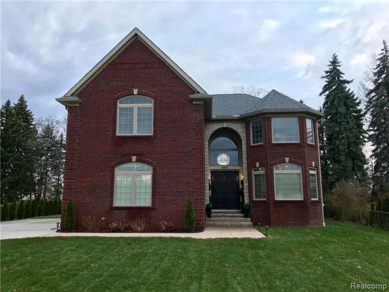 34655 KOCH Avenue, Sterling Heights, MI 48310