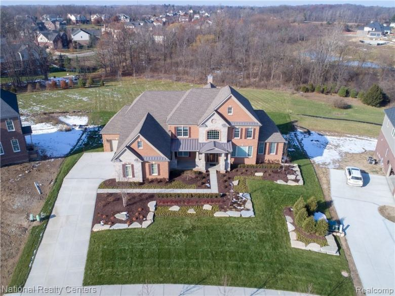 50494 Hunters Trail, Northville, MI 48168