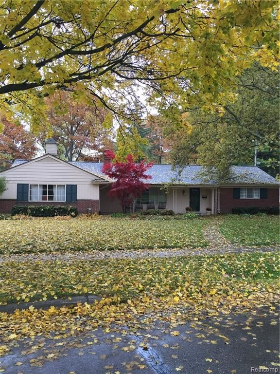 23270 FLEMING Drive, Farmington, MI 48335