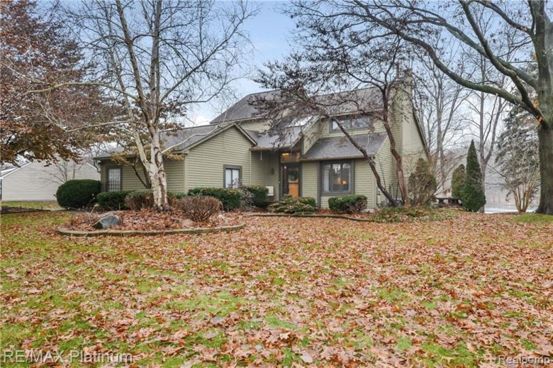 3428 WATERSEDGE Drive, Brighton, MI 48114