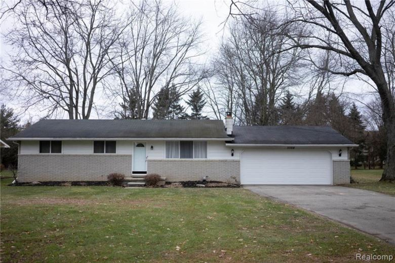 3708 W MAPLE Road, Wixom, MI 48393