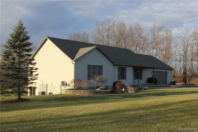 3154 Hasler Lake Road, Lapeer, MI 48446