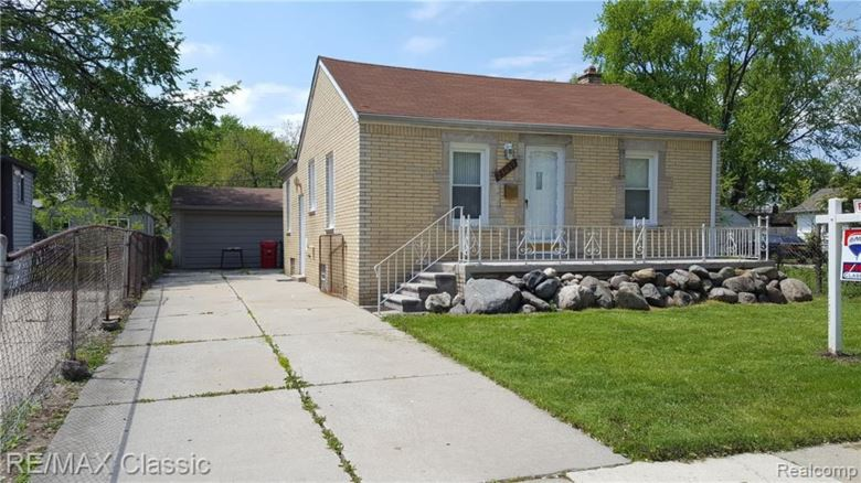 23059 PIPER Avenue, Eastpointe, MI 48021