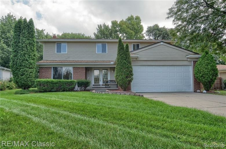 6581 BEVERLY CREST Drive, West Bloomfield, MI 48322