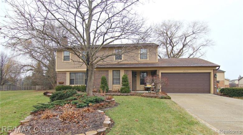 37429 CHESTERFIELD Court, Farmington Hills, MI 48331
