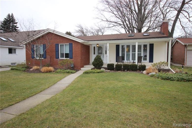 728 ANITA Avenue, Grosse Pointe Woods, MI 48236