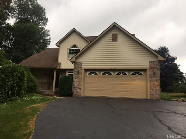 6280 WHISPERING MEADOWS Drive, White Lake, MI 48383