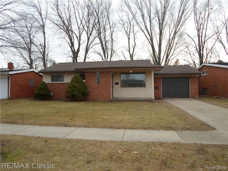 11436 CROWN Drive E, Sterling Heights, MI 48314