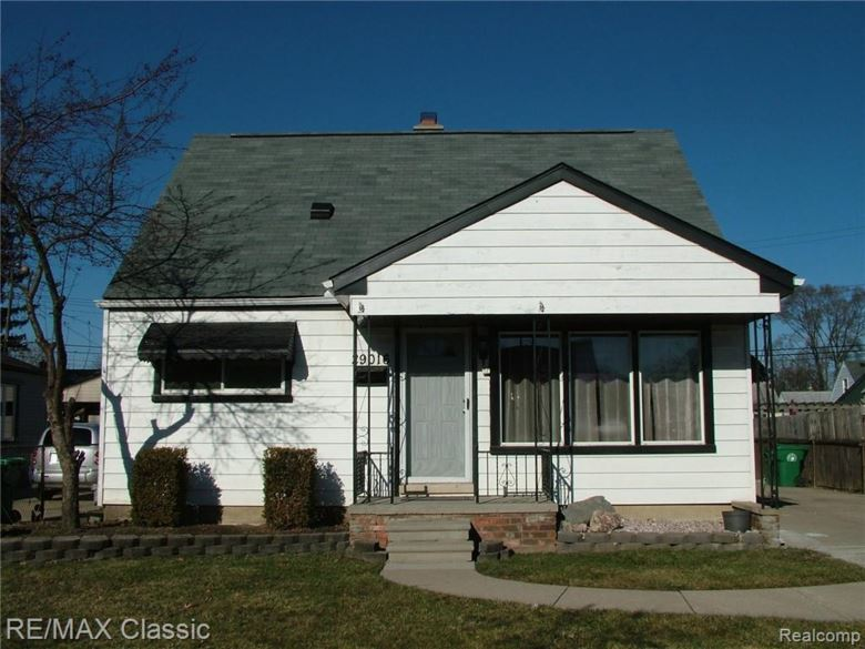 29016 Bridge Street, Garden City, MI 48135